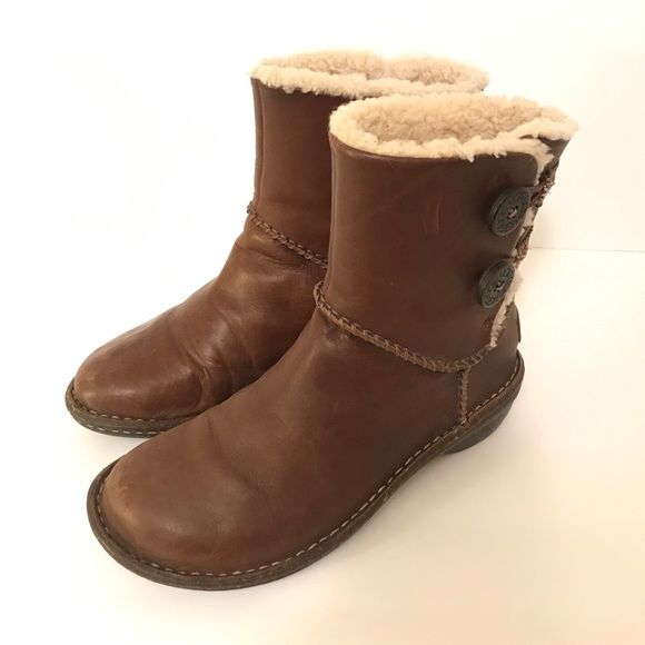 523fa749b99 Ugg Lillie brown boots women's US 7